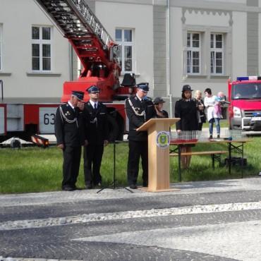 Uroczyste przekazanie i poświęcenie nowego samochodu ratowniczo - gaśniczego OSP w Tworogu