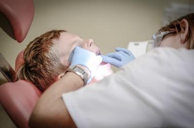 Opieka stomatologiczna w szkołach